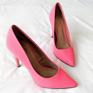 Shoes - Hot Pink Pointy Toe Pumps Heels